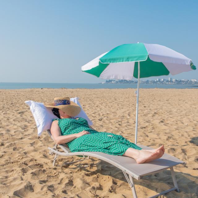 Sieste sur la plage de Saint-Nazaire