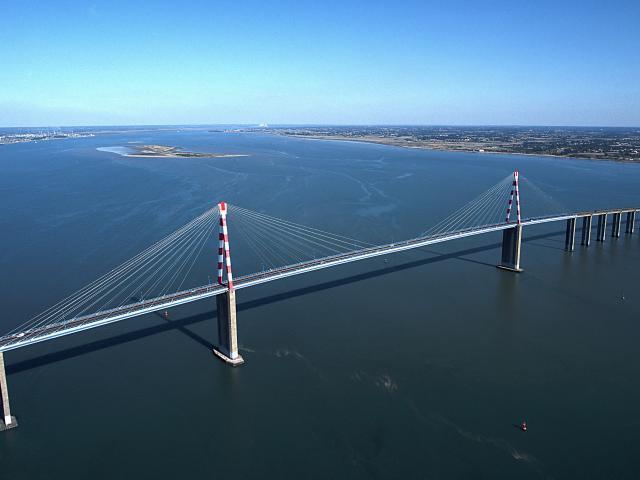 pont-aerien-bleu-dm.jpg