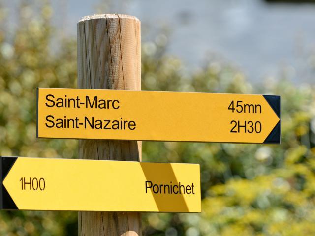 panneaux-directionnels-randonnesmartin-launay-saint-nazaire.jpg